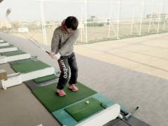 ゴルフ練習場へ  by 岡本